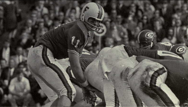 Steve Spurrier playing quarterback in 1966, the year he won the Heisman Trophy.