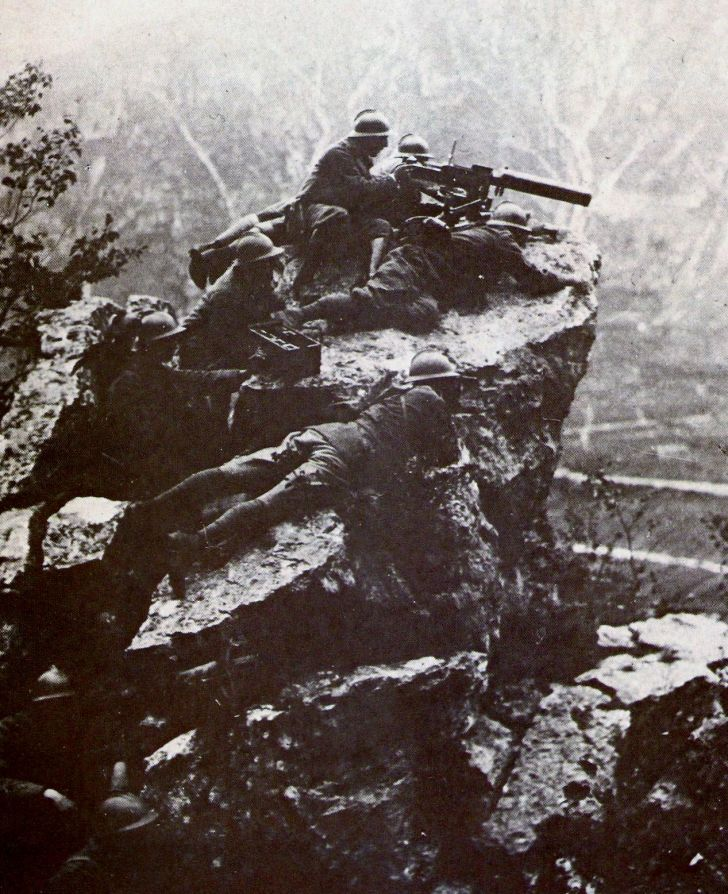 Italian machine guns on Mount Grappa, World War I