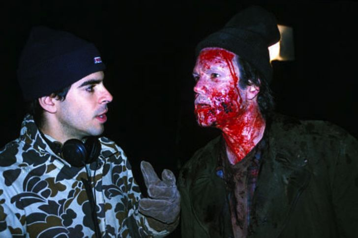 Eli Roth and Arie Verveen in 'Cabin Fever' (2003)