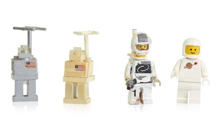 Astronaut minifigures