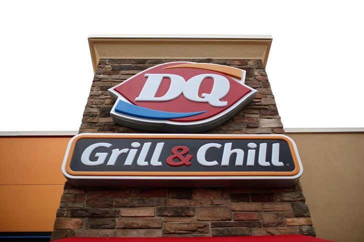 image of the exterior of a DQ restuarant