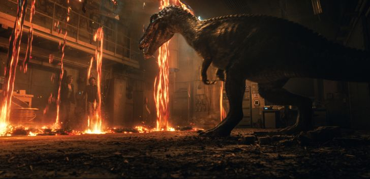 Bryce Dallas Howard and Justice Smith encounter the Baryonyx in 'Jurassic World: Fallen Kingdom' (2018)