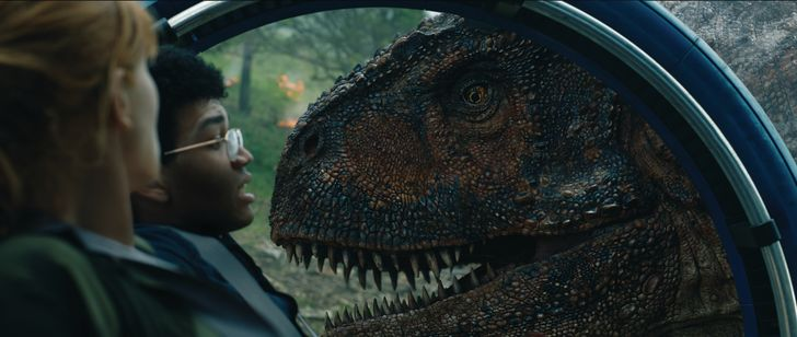 Bryce Dallas Howard and Justice Smith are trapped by the Carnotaurus in 'Jurassic World: Fallen Kingdom' (2018)
