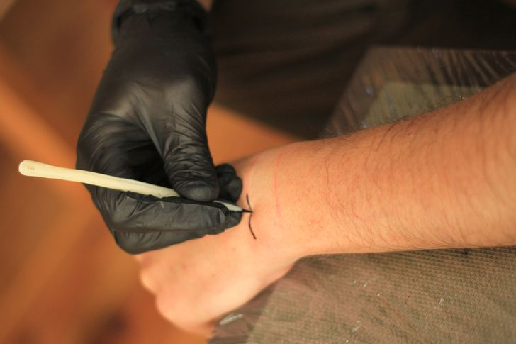 attooing human skin using bone tools for an experimental archaeological evaluation
