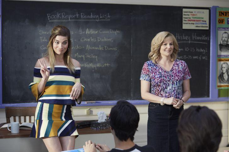 Annie Murphy as Alexis Rose and Jennifer Robertson as Jocelyn Schitt in Schitt's Creek.
