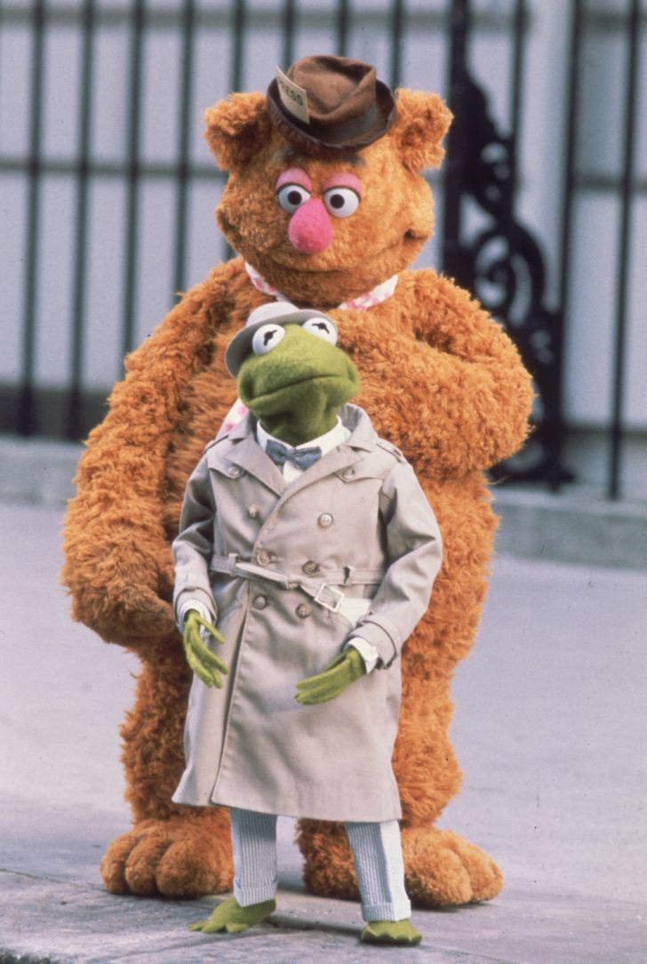 Fozzie and Kermit in 'The Great Muppet Caper'