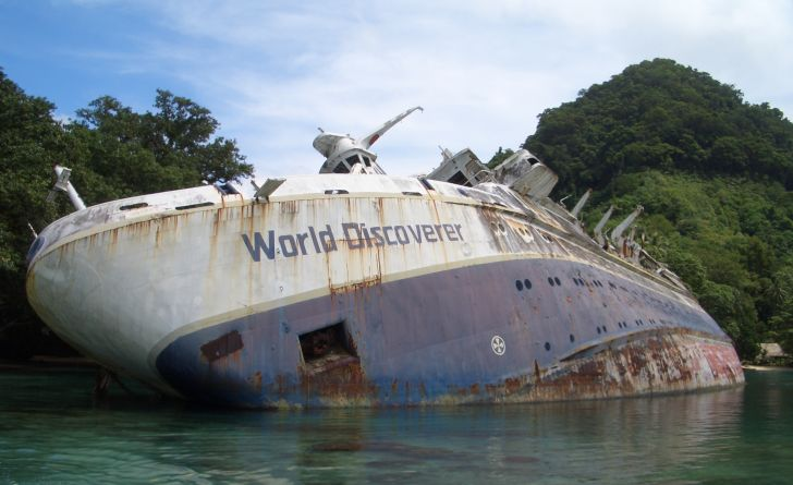 The shipwreck of World Discoverer in the Solomon Islands