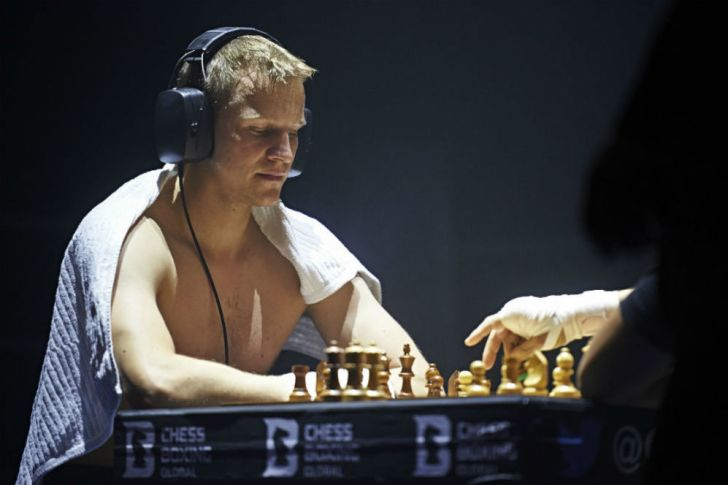 A chessboxer wonders what to do next