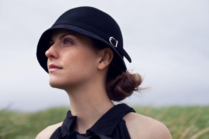 Woman wearing a cloche hat