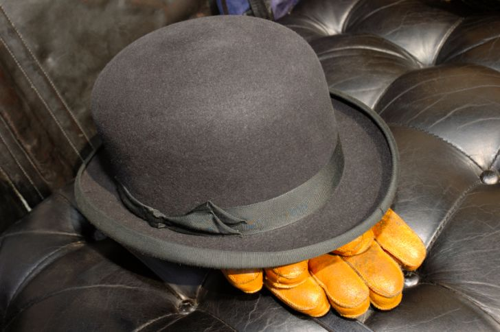 Bowler hat and gloves