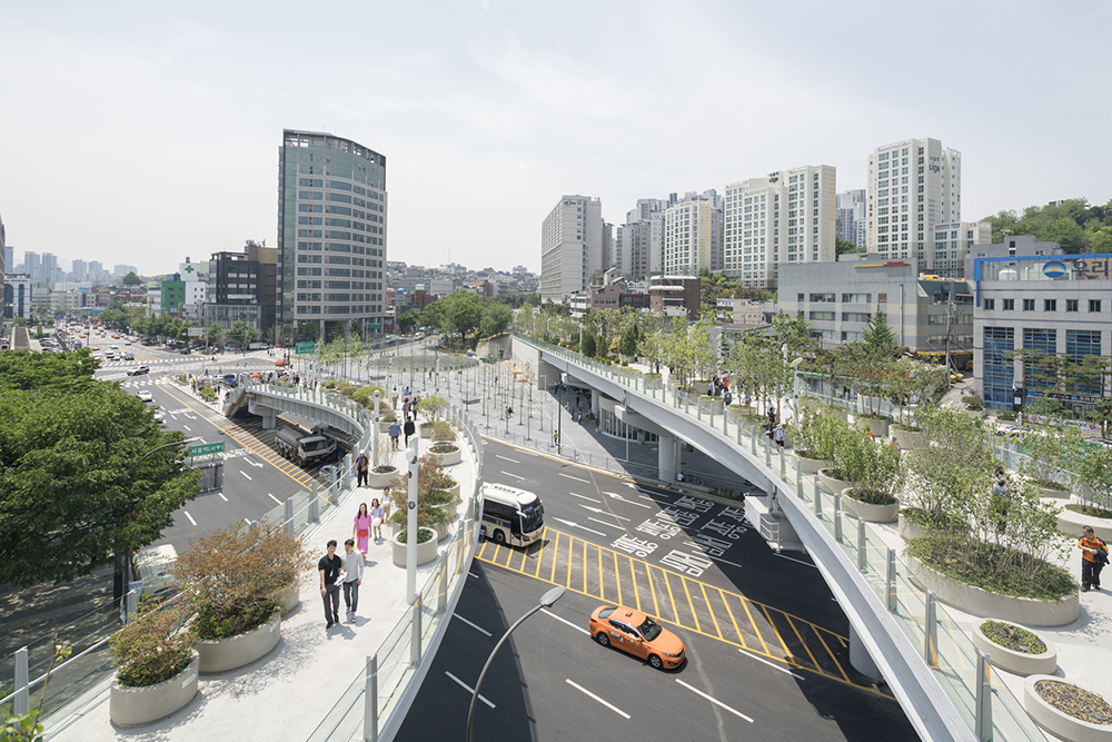 Seoullo 7017 is a new, above-ground park constructed across an old thoroughfare in Seoul, South Korea. i