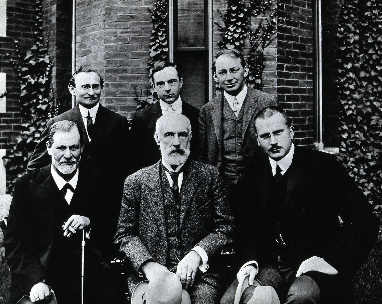 Photo of Sigmund Freud, Stanley Hall, Carl Gustav Jung, Abraham Arden Brill, Ernest Jones and Sándor Ferenczi at Clark University in 1909